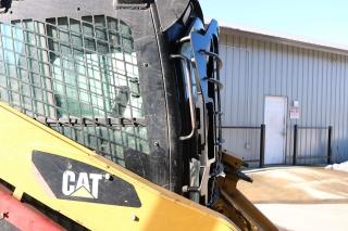 CAT 287C Skid Steer with 5x5 Skeleton Door