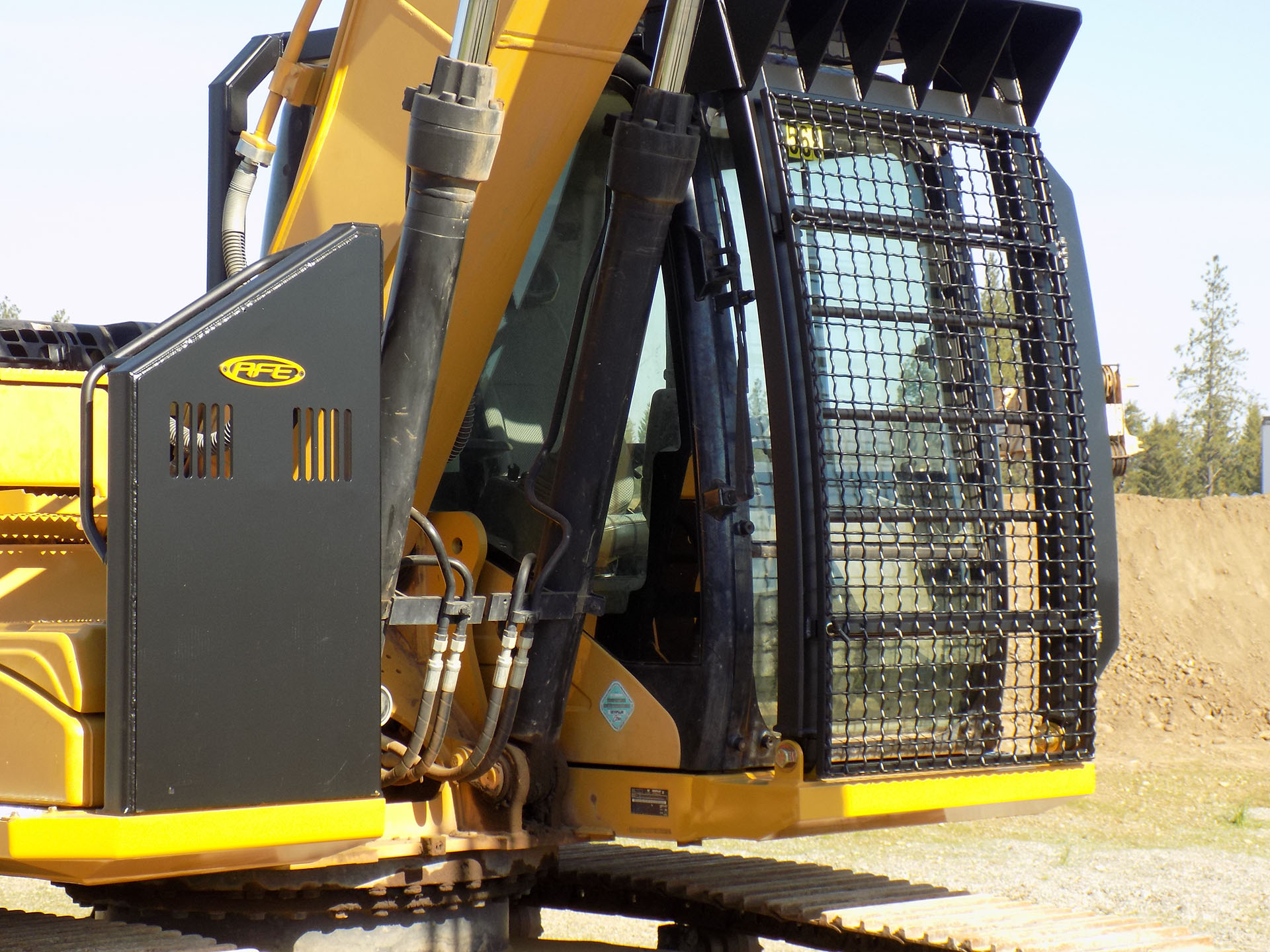 CAT 323F with Bolt on Excavator Guard
