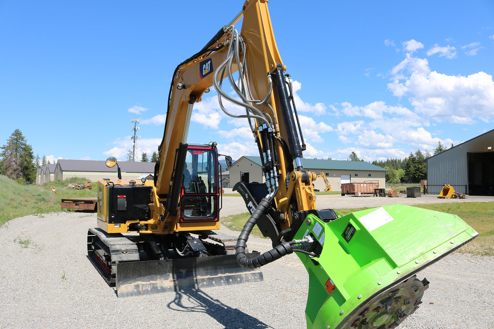 CAT 309 with Custom Guarding