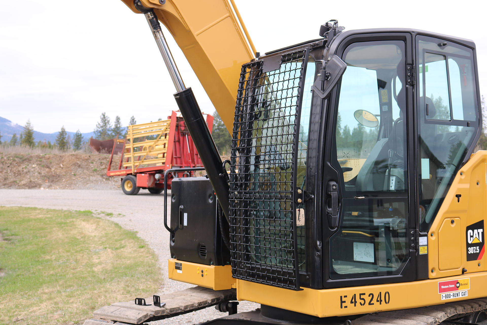 CAT 307.5 Next Generation with Bolt on Excavator Guard